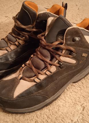 Ботинки размер.37