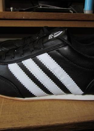 Кожаные кроссовки Adidas производство Корея 39 размер