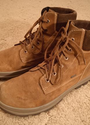 Ботинки  размер.41