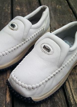 Детская обувь унисекс.