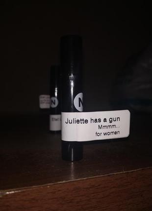 Mmmm... juliette has a gun