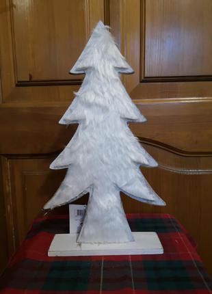 Декоративная елка из дерева с мехом