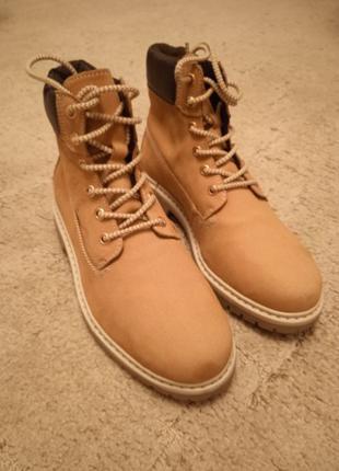 Ботинки новые кожаные разм.40