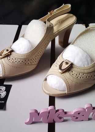 Женские босоножки, зауженный носок gold play044