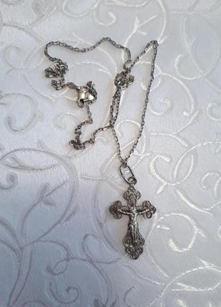 Серебряная цепочка и крестик