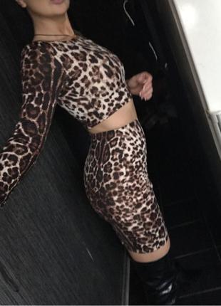 Топ и юбка леопардовый принт