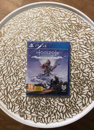 Диск PlayStation 4 - Horizon Zero Dawn. Complete Edition