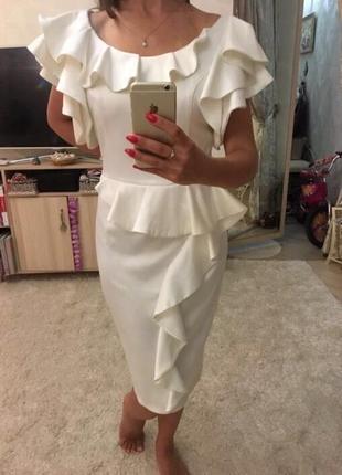 Молочно—белое атласное платье. почти новое. сшито на заказ. ра...