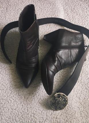 Тренд туфли кожаные коричневые ботильоны ботинки с узким носом...