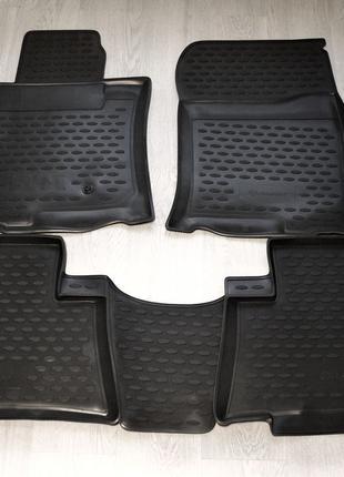 Резиновые коврики Toyota Land Cruiser 150 Prado Оригинал.Новые!