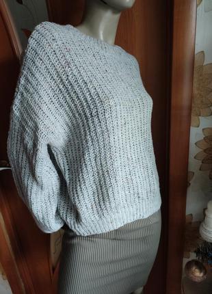 Свитер оверсайз крупной вязки с объемном рукавом