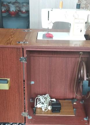 Машинка-швейна Чайка-142м