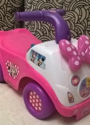 Продам детскую машину каталку