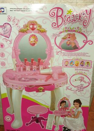 Трюмо столик для макияжа