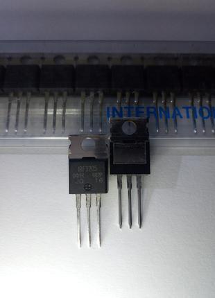 Транзистор IRF3205 (5,6 nF)
