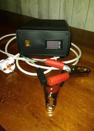 Зарядний пристiй для авто аккумулятора