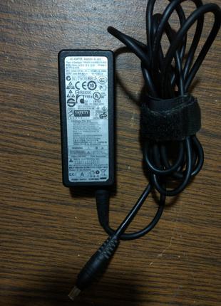 Зарядное блок питания для ноутбука нетбука Samsung 19V 2.1A