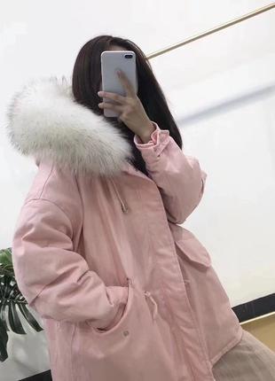 Зимняя женская куртка с меховым капюшоном на пуху Новый
