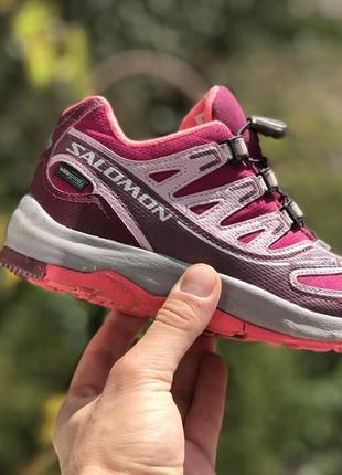 Salomon waterproof демісезонні ботінки кросівки