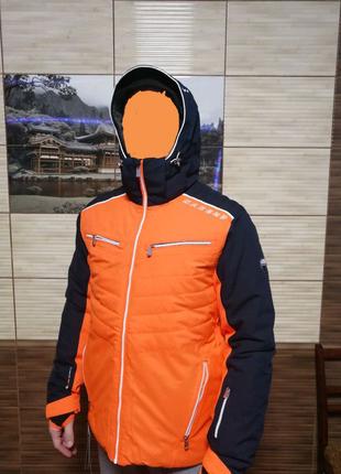 Горно-лыжная куртка