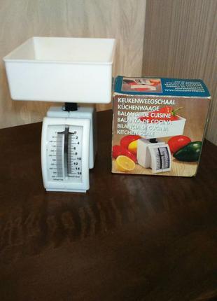 Кухонные весы / произведено в Нидерландах
