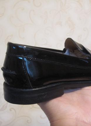 Туфли -лоферы.Лак-кожа.