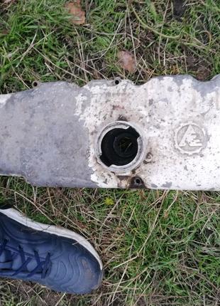 Кришка двигателя на москвич 2141