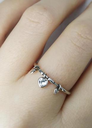 Серебряное кольцо в стиле пандора сердечко