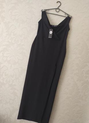 Изысканное брендовое макси платье с разрезом и спущенными плеч...