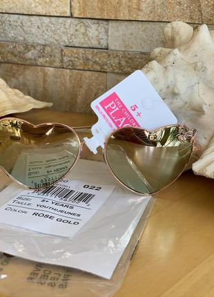 Стильные солнцезащитные очки rose gold сердечки для девочки 5-...