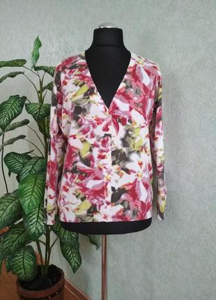 Пуловер на пуговицах с принтом- орхидей. tcm.