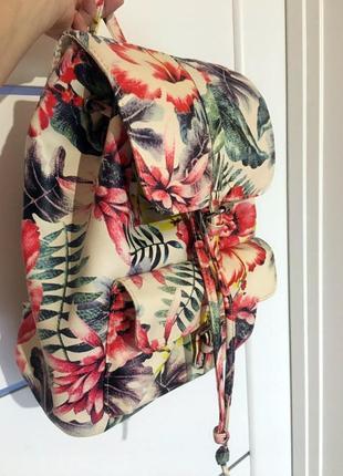 Модный рюкзак с цветочным принтом atmosphere