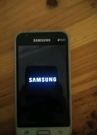 Продаю Samsung Galaxy j1