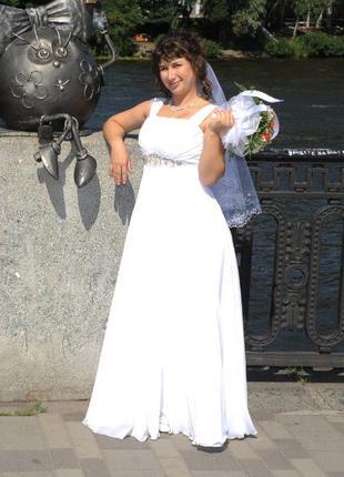 Свадебное платье 48-54 р.