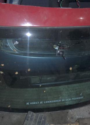 Стекло заднее Peugeot 406 пежо 406 1997-2004