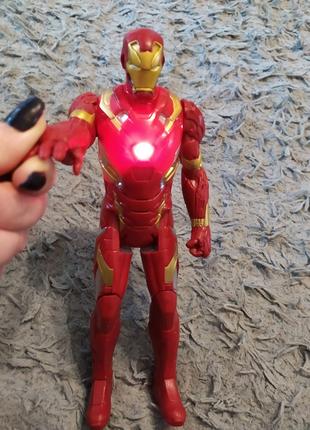 Іграшкова Залізна людина