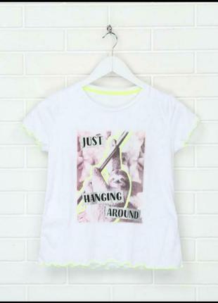 Белая подростковая футболка с ленивцем