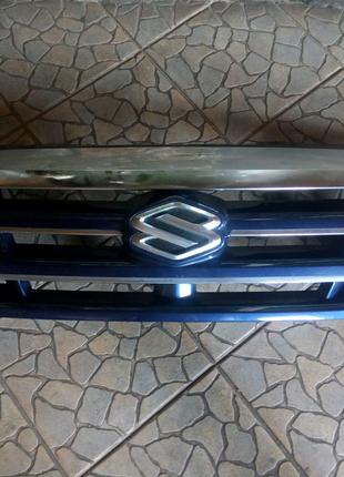 Рішотка радіатора Suzuki Grand Vitara