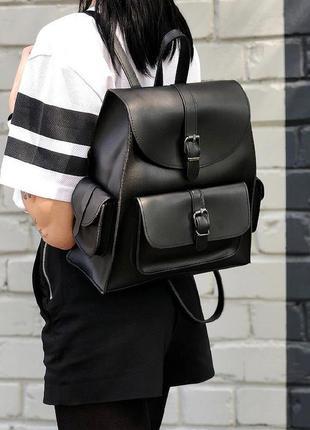 Стильный черный городской рюкзачок из эко-кожи с карманами вме...