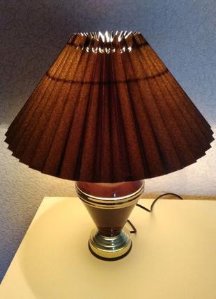 Настольная лампа с сенсорным управлением