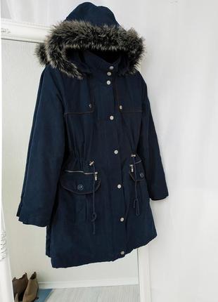 Утеплённая парка с мехом и капюшоном lc waikiki тёмно-синего ц...