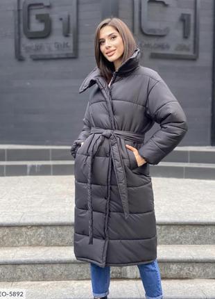 Черное стеганое зимнее пальто
