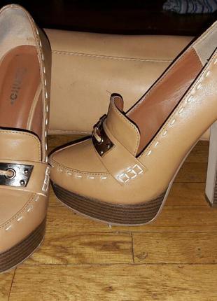 Светло-коричневые осенние туфли 35-36