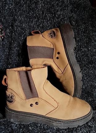 Ботинки  челси из кожи 100% стелька 21 см р-33