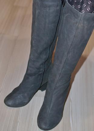 Мягкие модельные женские кожаные (набук) сапожки-36р.