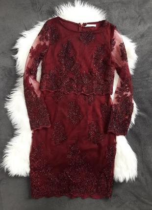 Бордовое вечернее кружевное платье футляр