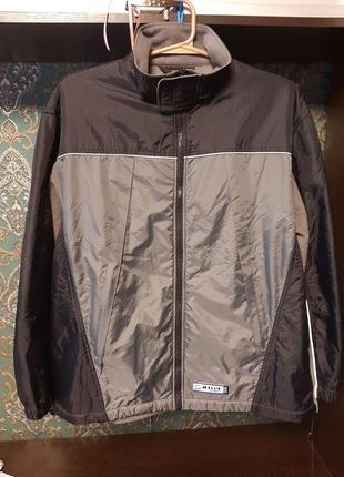 Мужская спортивная куртка- ветровка на флисе.  52-54 размер tc...