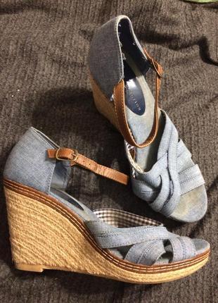 M&s босоножки сандали на танкетке платформе джинсовые
