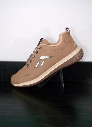 Спортивные кроссовки sayota, беговые, легкие.
