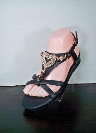Женские сандалии босоножки на танкетке.